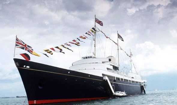 Royl Yacht, Britannian kuninkaallinen huvipursi, teki 43 vuoden aikana 696 ulkomaan ja 272 kotimaan matkaa.